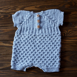 Raglan Girl Bodysuit Seamless Baby Knit Wooden Buttons Size 3-6