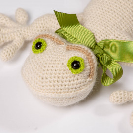 Gift Frog for children. Crocheted soft toy