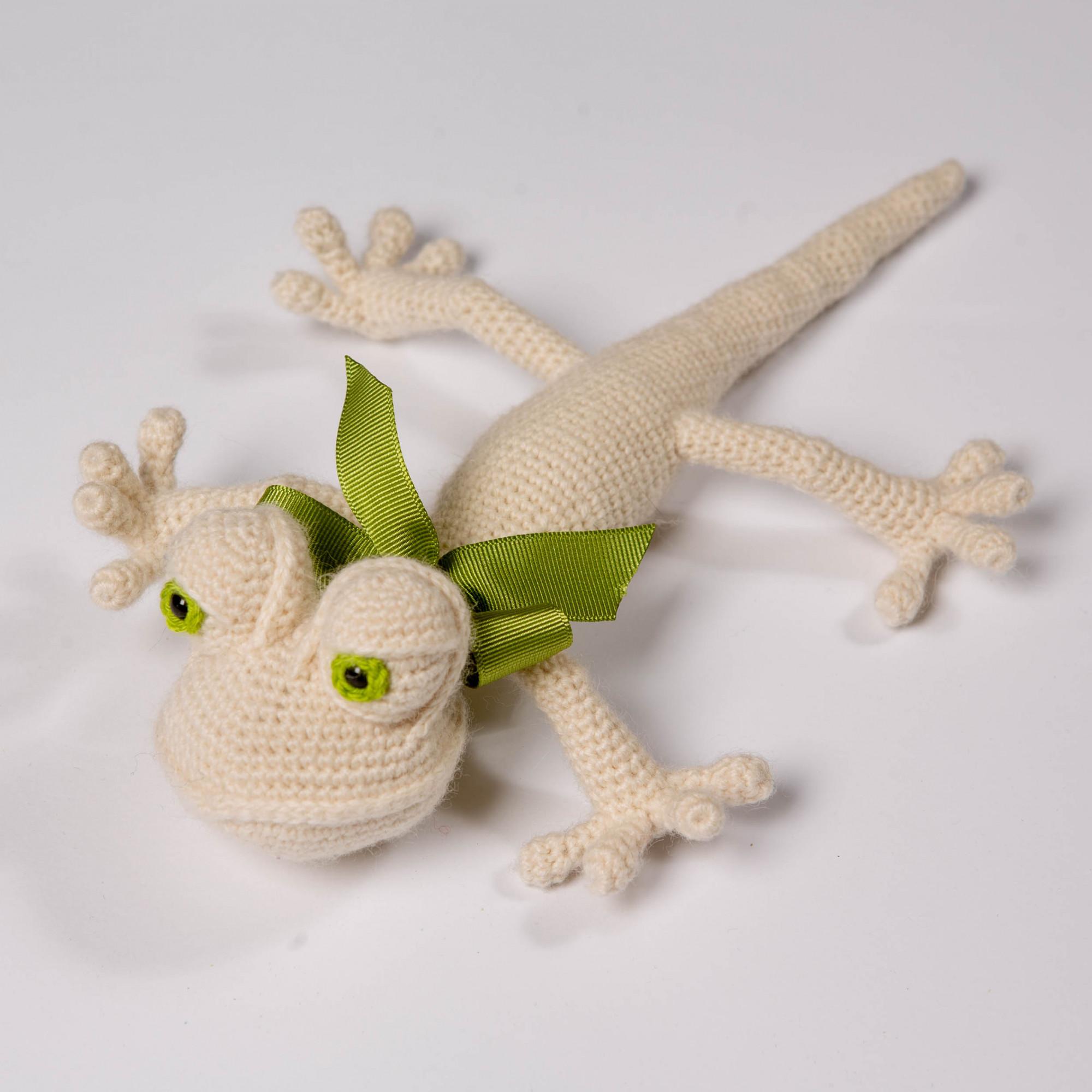 Gift crocheted Lizard White funny reptile
