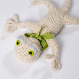 White Lizard for children. Knitted soft toy