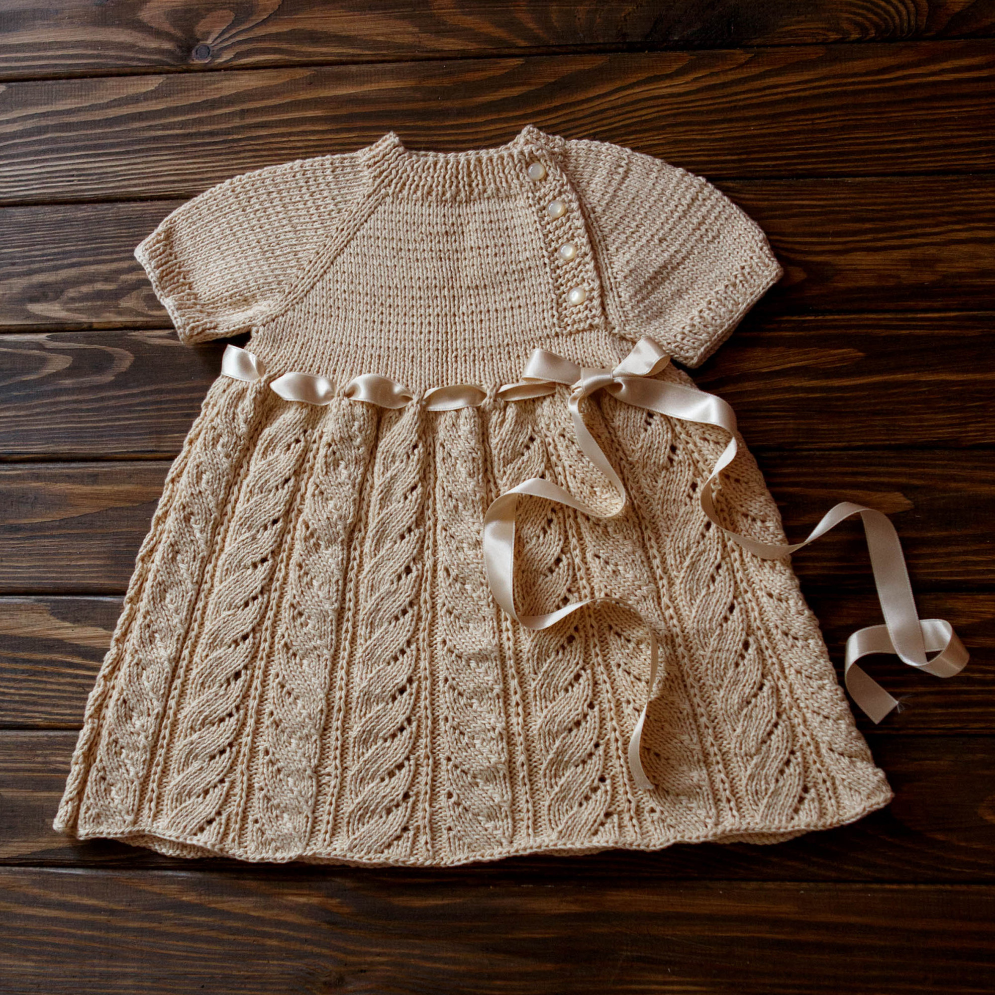 Entirely Hand Knitted Baby Girl Dress Taufkleid Baby Mädchen